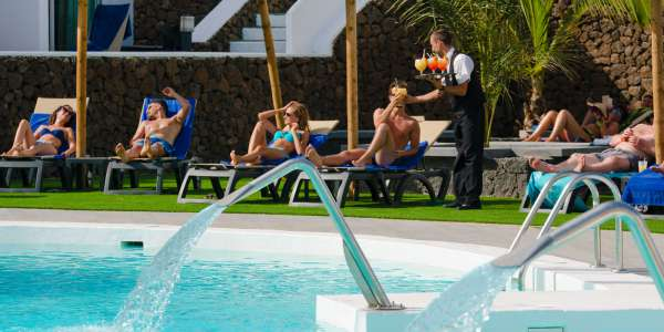 Costa Teguise Restaurants | Club Siroco Apartments - Lanzarote